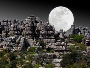Wanderrouten durch Felsformationen