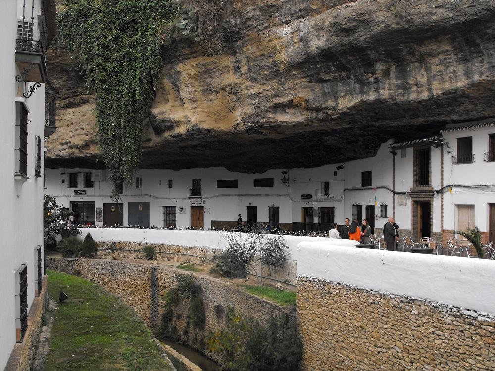 Das kleine, weißgetünchte Dorf