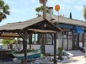 Strandtag mit lokalen Malageños